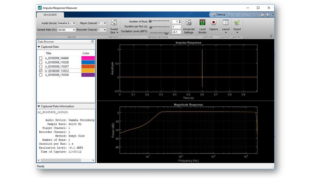 Schermata dell'app Impulse Response Measurer che mostra una risposta stimata nel dominio del tempo e nel dominio della frequenza, un menu con un elenco di altre risposte all'impulso stimate disponibili per il plottaggio e altri controlli interattivi presenti nell'app.