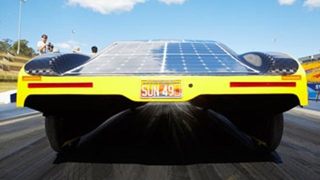 Gli studenti hanno utilizzato modelli MATLAB per ottimizzare l'uso della batteria dell'auto elettrica a energia solare Sunswift eVe.