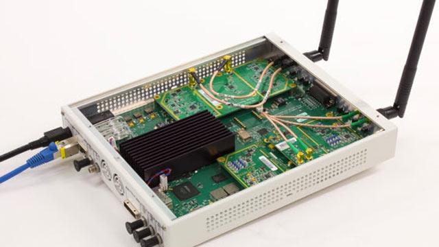 SDR USRP® utilizzato per ricevere frame beacon OFDM 802.11