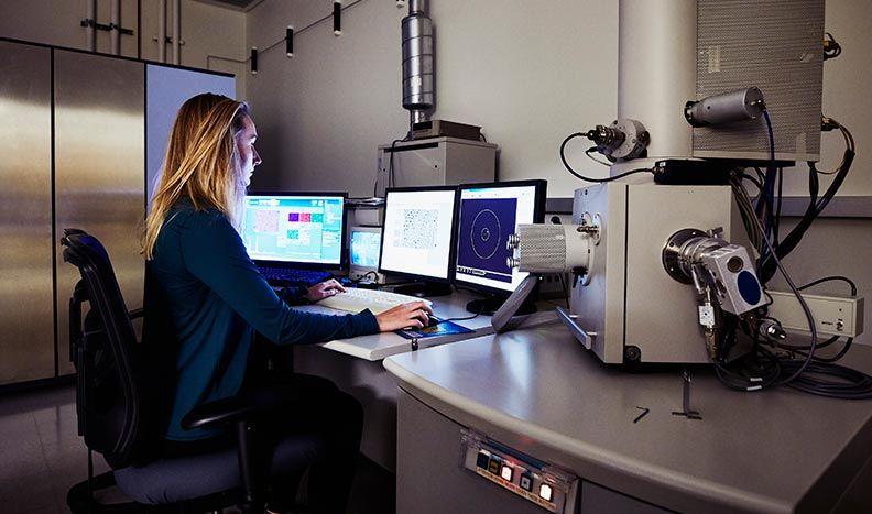 Controllo della strumentazione del microscopio